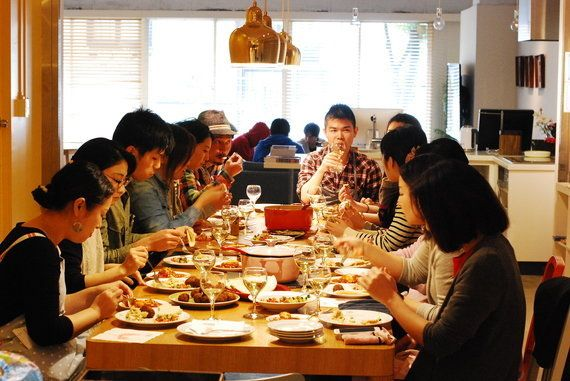 テーブルの上から物語が始まり、想像を巡らせながら味わう「ジャックと豆の木」のお料理と時間