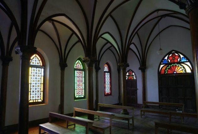 野崎島の野首集落跡に立つ「旧野首教会」の内部。
