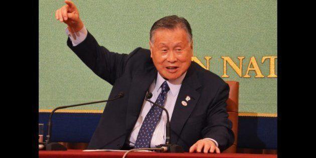7月22日、記者会見する森喜朗氏
