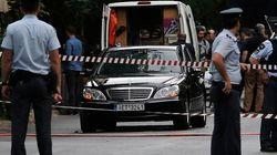 ギリシャのパパデモス元首相が爆発で負傷 手紙爆弾か