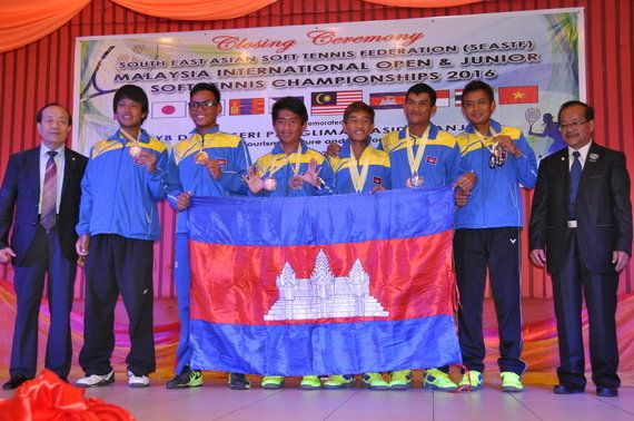 カンボジアにソフトテニスを普及〜海外のスポーツ分野でパイオニアになる!