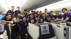 「これから帰国しまーす」。長友佑都らが選手の集合写真をTwitterに投稿。本田圭祐がつぶやいたのは...