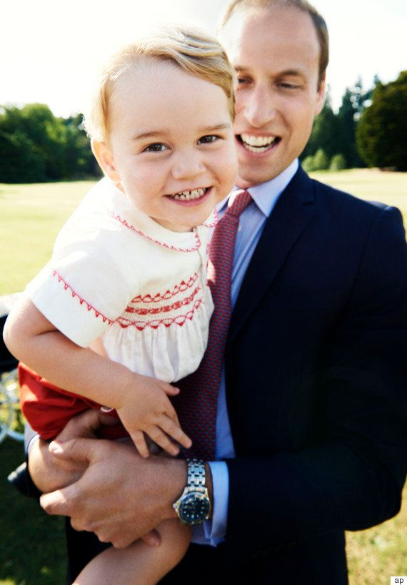 ジョージ王子が2歳に イギリス王室が写真公開