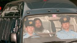 麻原彰晃死刑囚の人生。貧しい家の四男が、テロを指示する「教祖」に【オウム真理教】