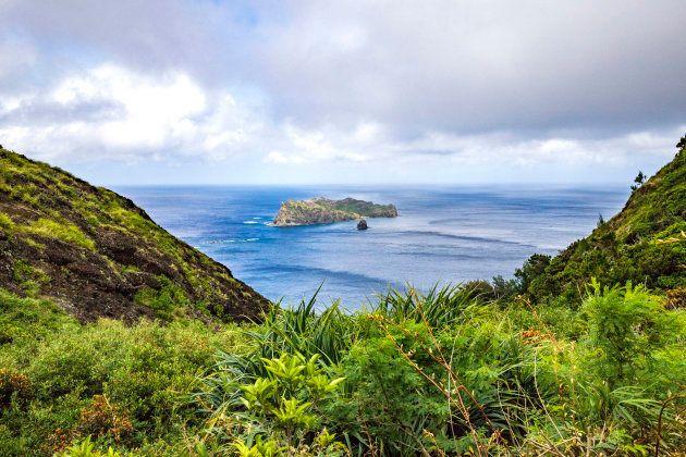 小笠原諸島の父島から見た風景