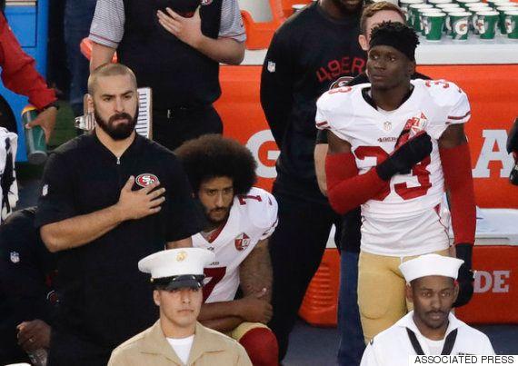 NFLのスーパースター、コリン・キャパニックは再び国歌斉唱を拒否し、ひざまづいた