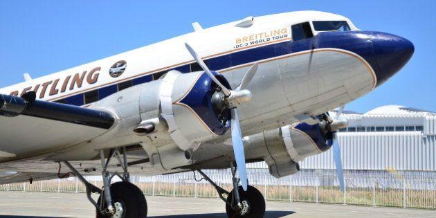 80年前の名機ダグラスDC-3が関西の空を飛ぶ