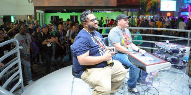 世界的なゲーム見本市「E3」で新作ゲームを楽しむ人たち=6月、米ロサンゼルス、中村光撮影(本文とは関係ありません)