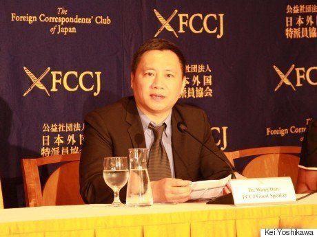 中国当局がテレビ局に圧力「胸の谷間を隠すように」
