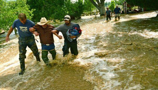 米国コロラド州で「1000年に1度」の洪水、その意味