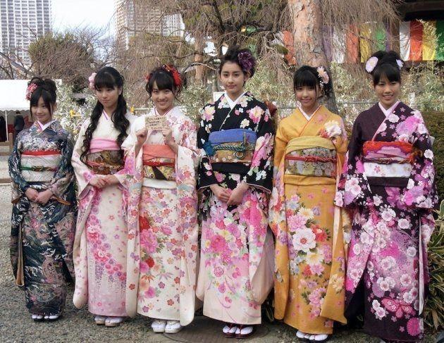 2011年1月撮影。当時の「ももいろクローバー」メンバーの有安杏果さん、佐々木彩夏さん、百田夏菜子さん、早見あかりさん、玉井詩織さん、高城れにさん(左から)。