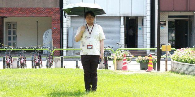男性の日傘は恥ずかしくない。