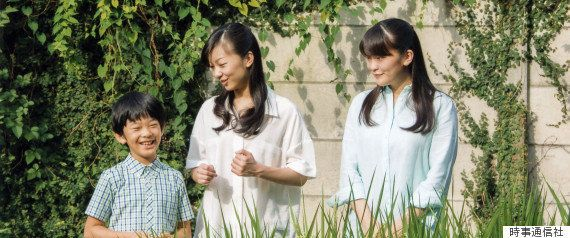 眞子さまがご婚約へ お相手の小室圭さんは「海の王子」