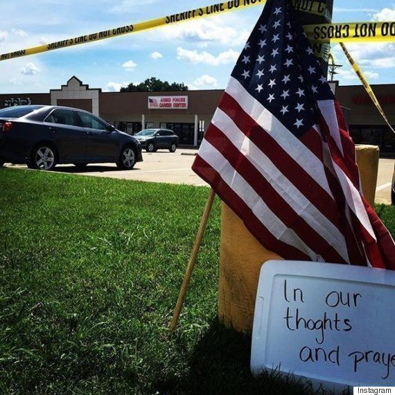 アメリカ海軍施設で銃乱射、4人死亡 テロの可能性