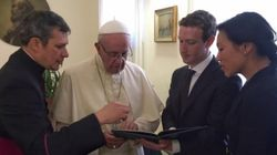 マーク・ザッカーバーグ、ローマ法王に面会 情報発信とテクノロジーについて語り合う