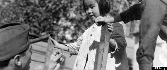 マッカーサーが厚木に降り立った日から71年。その登場シーンは日本人に鮮烈な印象を与えた(画像)
