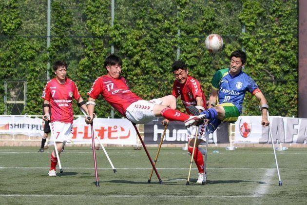 片足を失っても、ボールを追いかける。アンプティサッカー日本代表、クラッチを手にした勇者たちが世界に挑む。