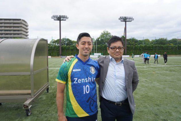 二人三脚でアンプティサッカーを広めてきたヒッキさん(左)と杉野さん(右)
