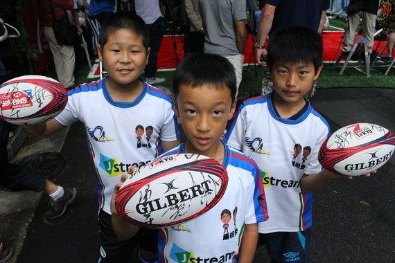 「道路でラグビーしようぜ」 世界初、ストリートラグビー大会に日本代表真壁らも参加