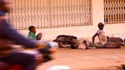 ウガンダでホームレスの子どもたちが警察による暴力や恐喝に直面