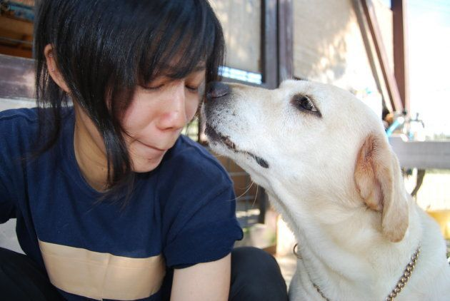 きな子が大好きな山田さんと。「暑い中お世話をありがとう」と、きな子の声が聞こえてきそう