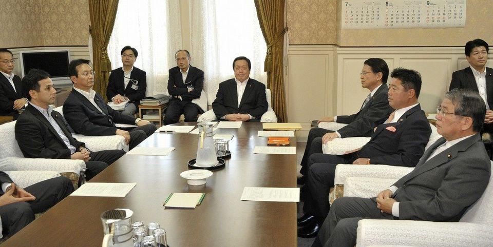 【安保法案】衆院特別委、与党単独で強行採決(画像集)