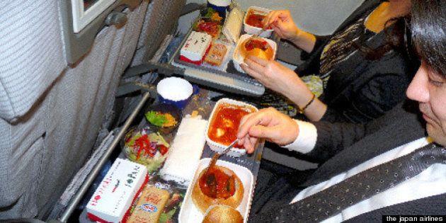進々堂のプチフランスパンと志津屋の元祖ビーフカツサンド、航空便で販路拡大