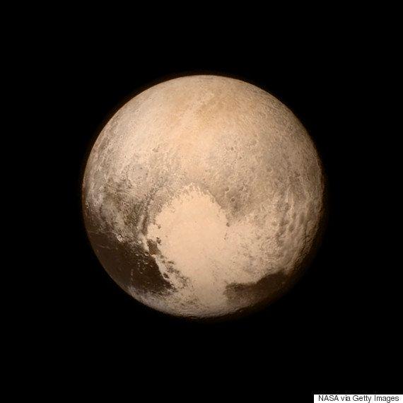 冥王星、ハートマークくっきり