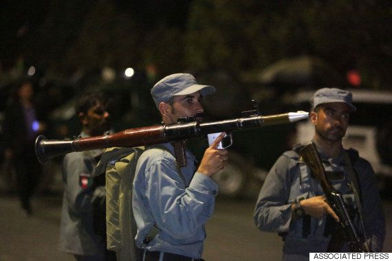 アメリカが支援するアフガンの大学が襲撃される 数百人の学生が閉じ込められる緊迫の事態(画像)