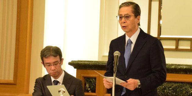 記者会見する東京医科大学の内部調査委
