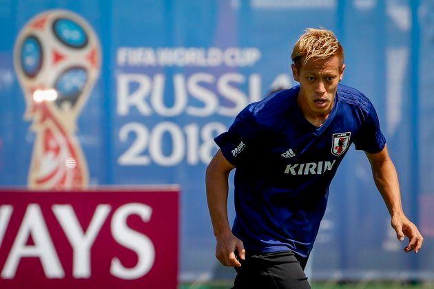 本田圭佑がカンボジア代表GMに!逆オファーで実現 「失敗を恐れず、とにかくやってみる」の意味