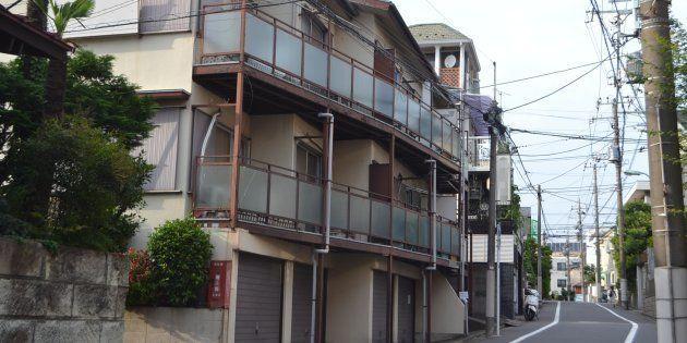2018年3月に亡くなった船戸結愛ちゃんが住んでいたアパート=東京都目黒区