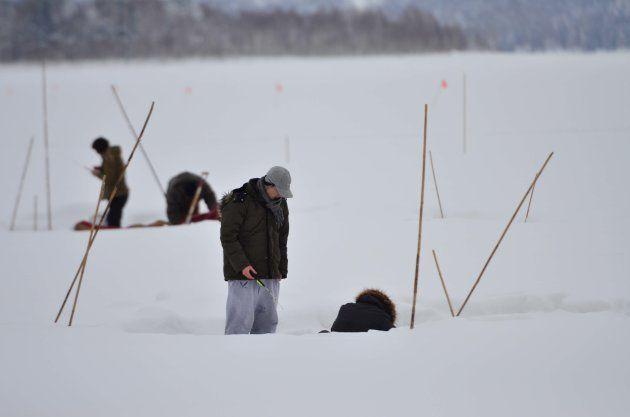 朱鞠内湖。極寒のため、冬は水面が凍り、ワカサギ釣りなどを楽しむことができる=北海道幌加内町
