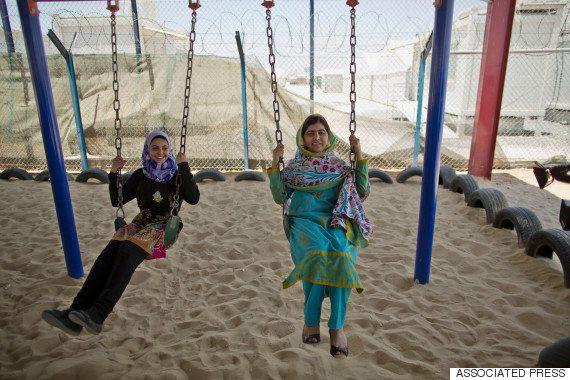 マララさん、シリア難民のため女子校開校 18歳の誕生日に