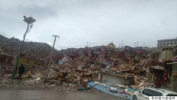 1万人以上が学ぶチベット仏教の聖地「ラルンガル・ゴンパ」を中国当局が破壊 信者が懸念することは?