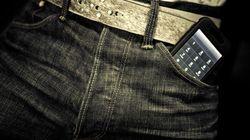 男性はスマホや携帯を前ポケットに入れないほうがいい。なぜなら...