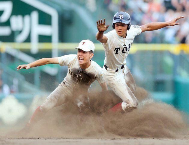 8月16日、3回戦で高岡商と対戦する大阪桐蔭。