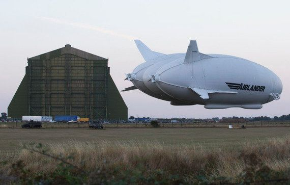 謎の巨大飛行船 NASAの格納庫でGoogle創業者が開発中