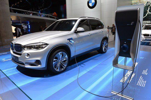 【フランクフルトモーターショー2013】発売は確実!? BMWのPHV「X5