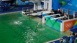 緑色のプール、ついに謎が解ける「え、そんな理由?」【リオオリンピック】