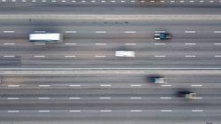 「何としても間に合わせなければ...」寝坊した警察官、175キロの猛スピードで高速を爆走