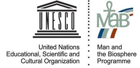 人と自然の関係に注目した史上初の国際的な自然保護制度。ロゴの中央上部に人の形が見える