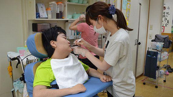 障害者の通所施設で口腔ケア 歯科衛生士との連携で大幅改善