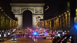 シャンゼリゼ通りで銃撃、警官3人が死傷 凱旋門が封鎖(画像)