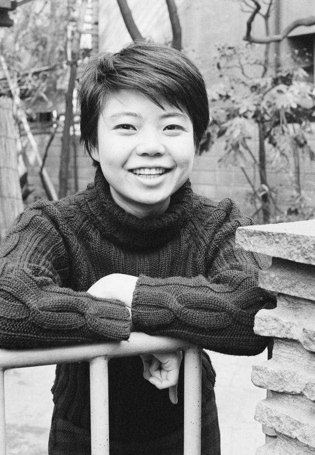 21歳だった樹木さん,。この年から始まったドラマシリーズ「七人の孫」での演技で話題になっていた=1964年12月