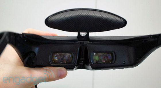 ソニーのヘッドマウントディスプレイに無線通信の新モデル