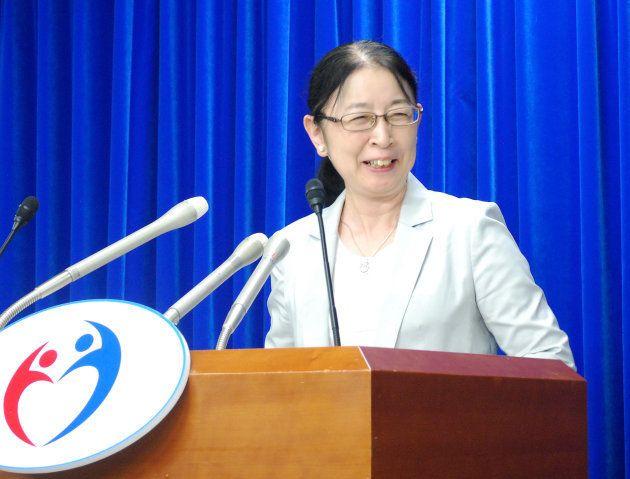 厚生労働事務次官の退任会見で(2015年10月1日撮影)