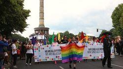 「みんな違って、みな同じ」LGBTに優しい都市ベルリン、初夏の風物詩(画像)