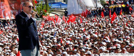 【トルコ国民投票】エルドアン大統領に絶大な権力を与える憲法改正に賛成多数
