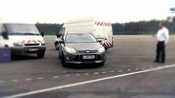 【ビデオ】これからの駐車は全部クルマ任せ! フォードの最新自動駐車システム